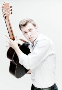 Thibaud Garcia gitarist Photo: Marco Borggreve
